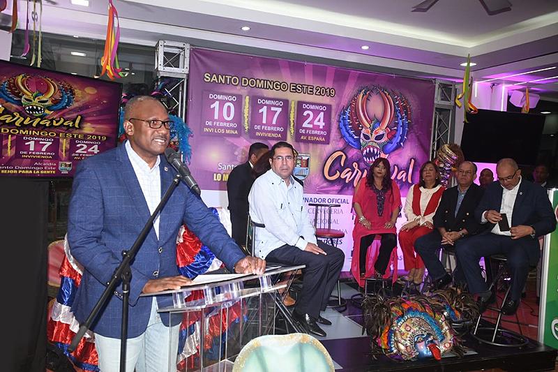 Alfredo Martínez anuncia celebración del Carnaval Santo Domingo Este 2019