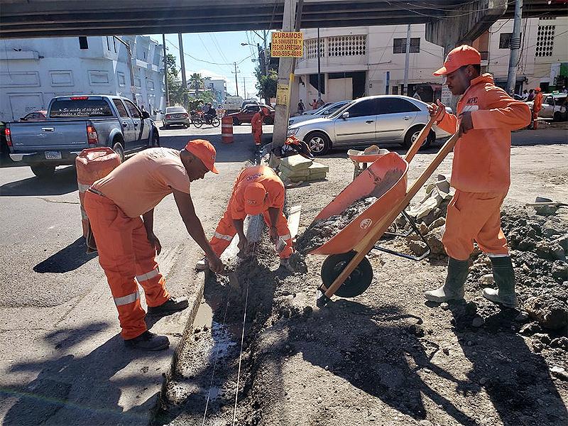 MOPC interviene avenida y calles