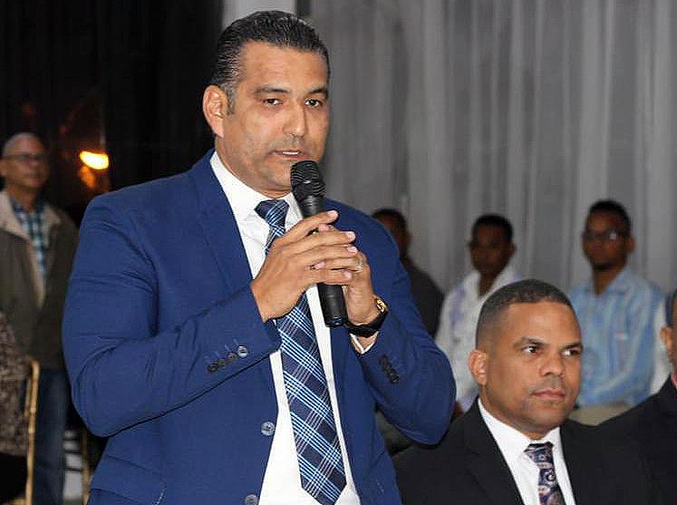 Luis Alberto destaca apoyo de DICOM a microempresarios de la comunicación