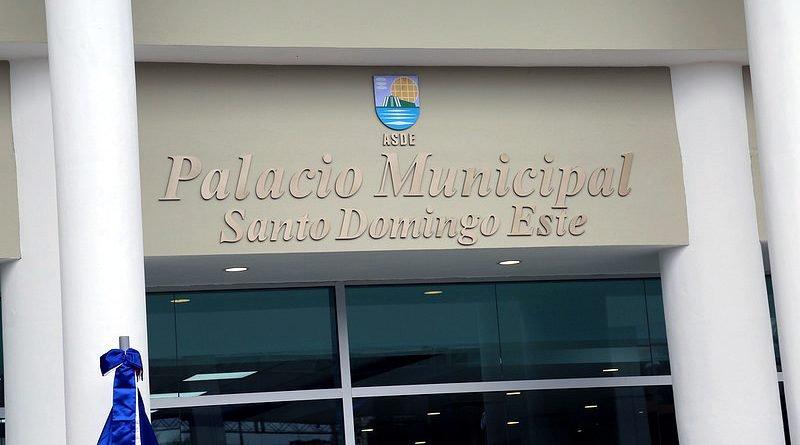 Alcalde de Santo Domingo Este realiza cambios