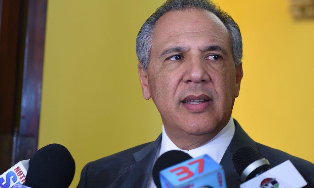 José Ramón Peralta explica protocolo traspaso de mando