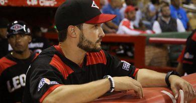 José Leger continuará como coach de banca de los Leones del Escogido