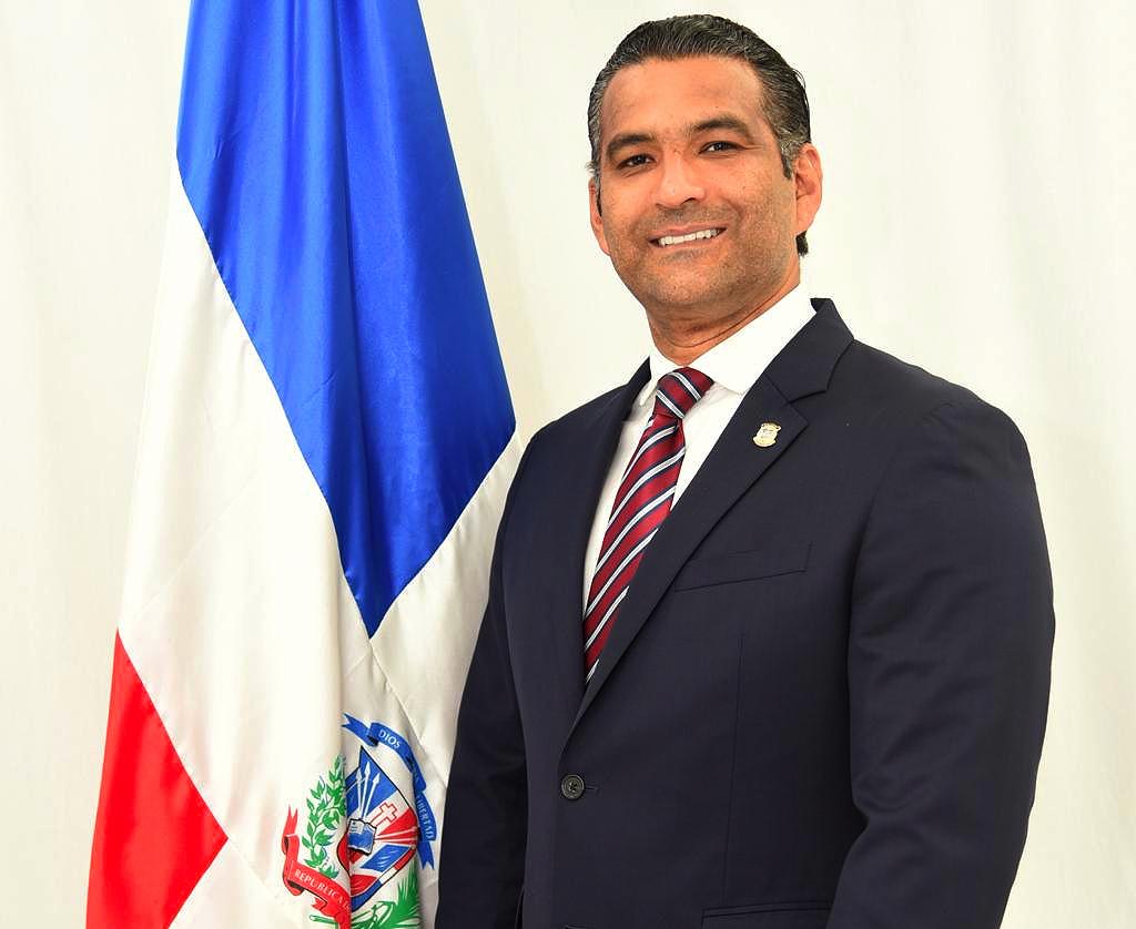 Diputado Luis Alberto da positivo a COVID-19