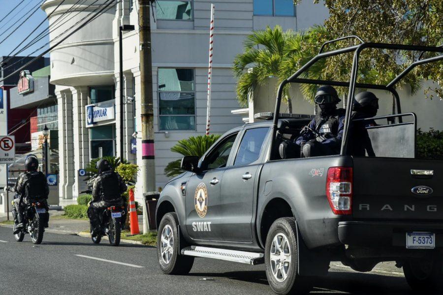 Policía Nacional apresa 15 individuos en flagrante delito