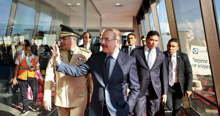 Presidente Danilo Medina regresa al país