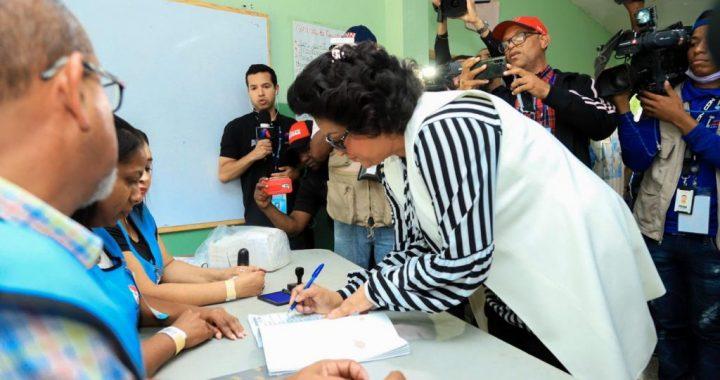 """Cristina Lizardo: """"República Dominicana es modelo de democracia fortalecida"""""""