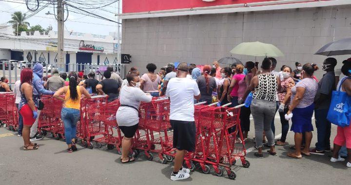 Supermercados Bravo no cumple medidas de distanciamiento social