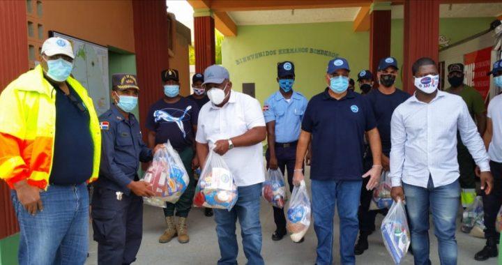 Pepén entrega cientos de raciones alimenticias al alcalde de San Luis y los bomberos