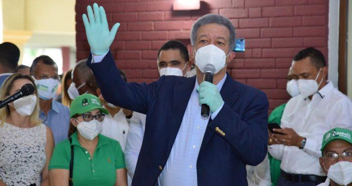 Leonel Fernández estaría obligado a pactar con el PLD