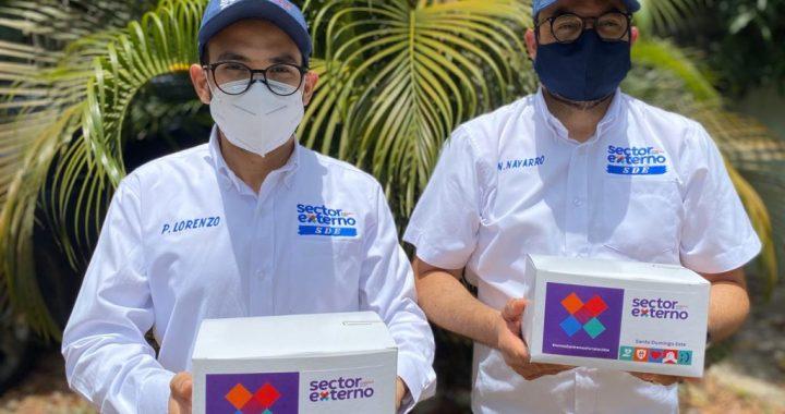 Sector Externo con Gonzalo entrega cientos de kits de higiene