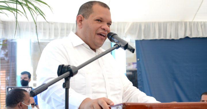 Alcalde Carlos Guzmán se juramentará en la Fuerza del Pueblo