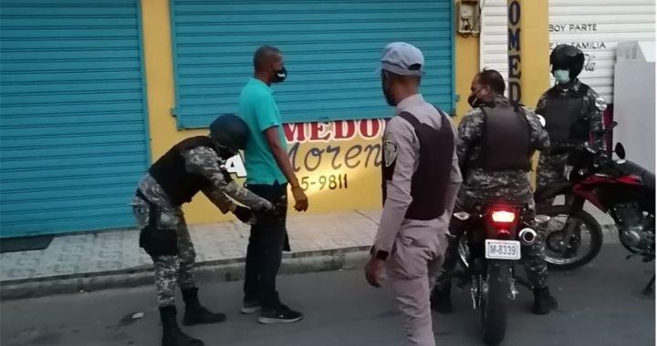 Policía apresa individuo acusado de asesinar y quemar a una mujer