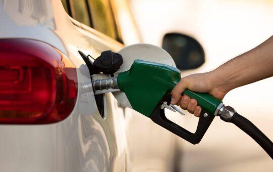 Gobierno aumenta precio de las gasolinas