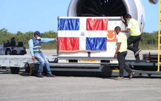 República Dominicana recibe 500.000 dosis de Sinovac para continuar vacunación