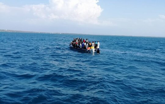 Burlan controles de la Armada Dominicana