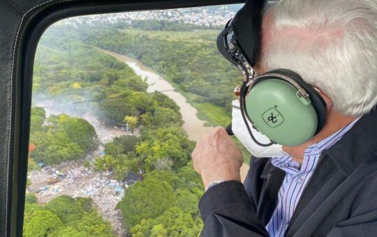 Alcalde Manuel Jiménez busca cerrar vertedero instalado a orillas del río Ozama