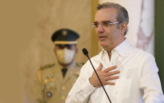 """Presidente Luis Abinader desea """"éxitos"""" a Pedro Castillo"""