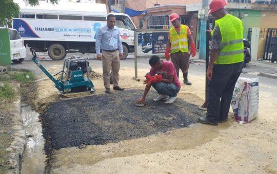 CAASD deja en el pasado hacer excavaciones y dejar calles destruidas