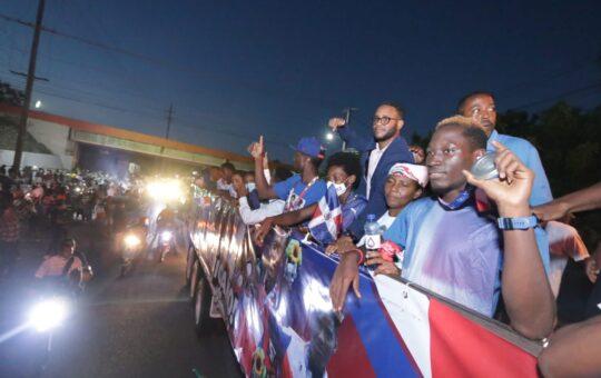 Los dominicanos ofrecen un gran recibimiento a sus medallistas olímpicos