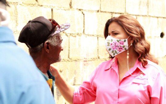 Margarita Cedeño visita sectores de Santo Domingo Este