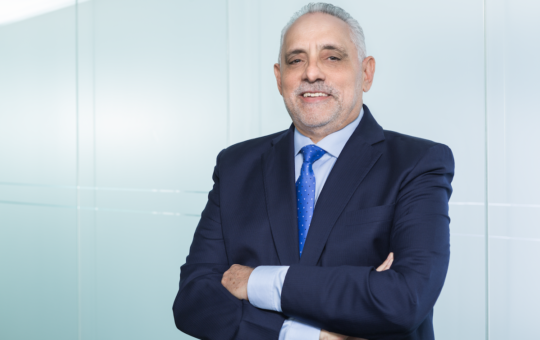 Reeligen a Vitelio Mejía como presidente de la Lidom